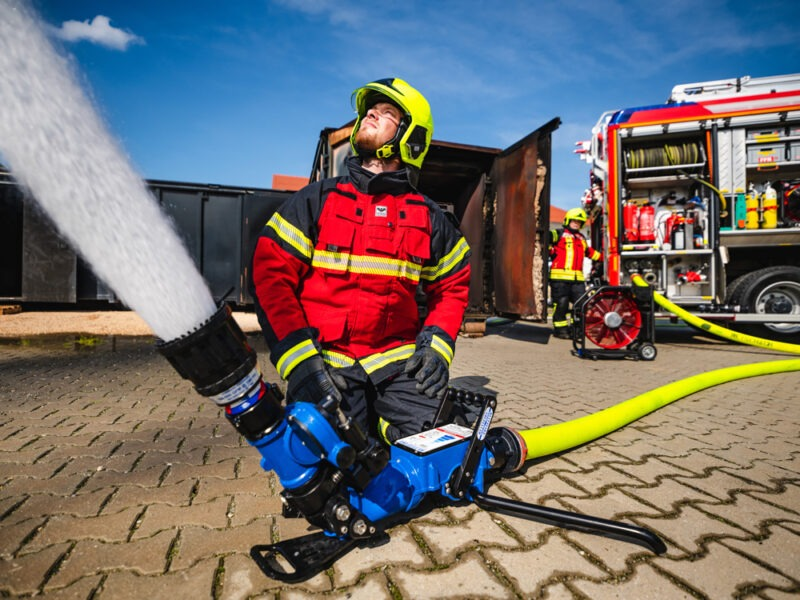 Transportabler Wasserwerfer BlitzFire mit Sicherheitsventil